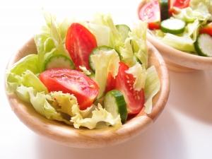 1400839_a_bowl_of_salad.jpg